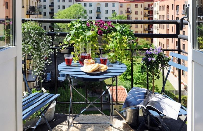 15 inspirujących pomysłów na letnią aranżację małego balkonu :) ()