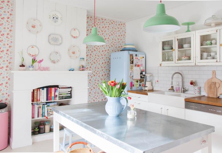Absolutnie wyjątkowa aranżacja mieszkania w bieli i radosnych pastelach, czyli subtelnie, kreatywnie i na pewno oryginalnie! :)