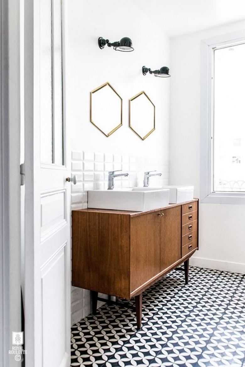 Hipnotyzujące. Urzekające. Fascynujące. Czyste piękno w łazience. Płytki azulejos
