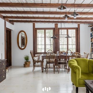 Before & after ponad stuletniego domu letniskowego w kolonialnym stylu w polskiej aranżacji!