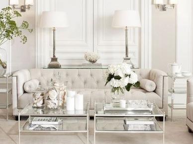 Aranżacja białego salonu w nowojorskim stylu (50118)