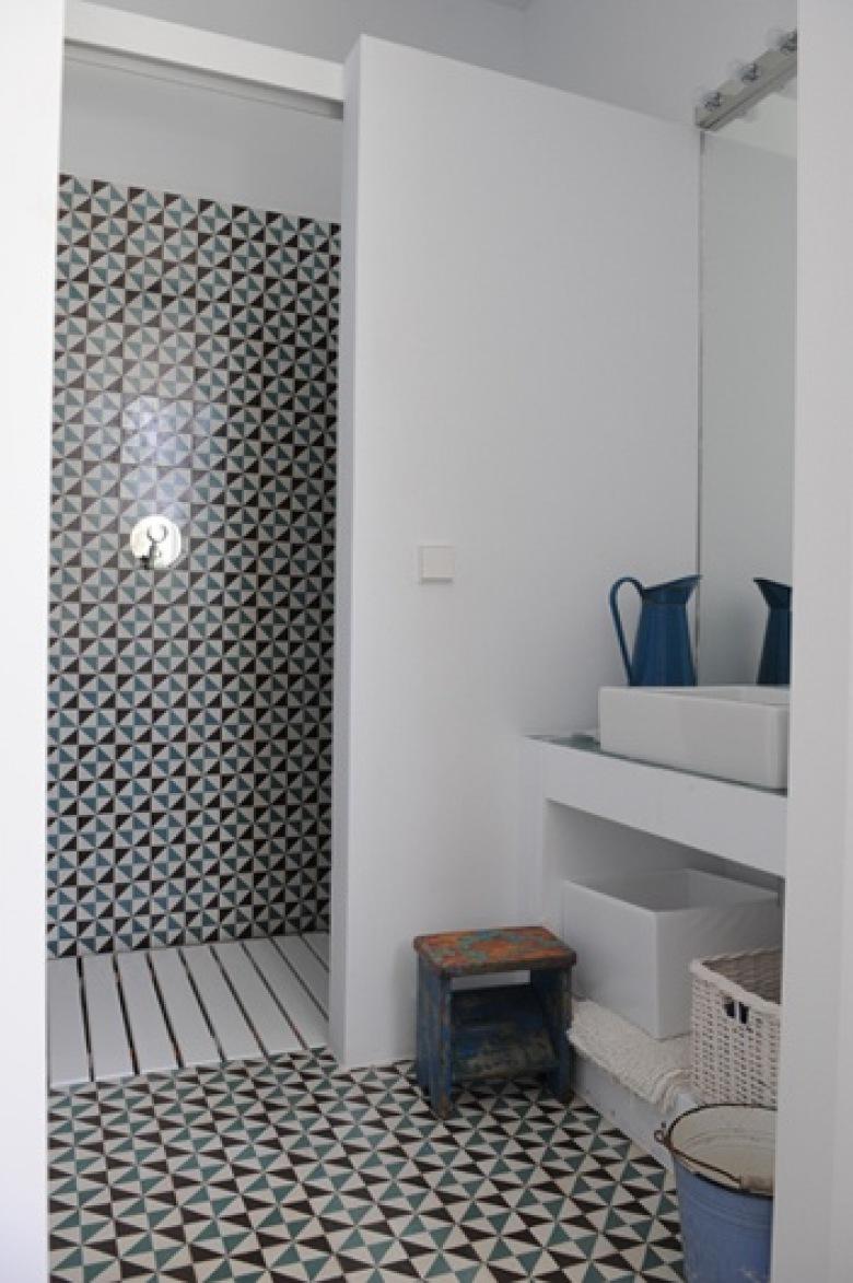 Mała łazienka, to duże wyzwańjie ! jak ją urządzić ? gdzie zmieścić pralkę w małej łazience, wybrać małą wannę czy...