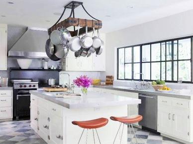 Pomysły na przechowywanie w kuchni: funkcjonalne i dekoracyjne wieszaki na kuchenne pomoce :)