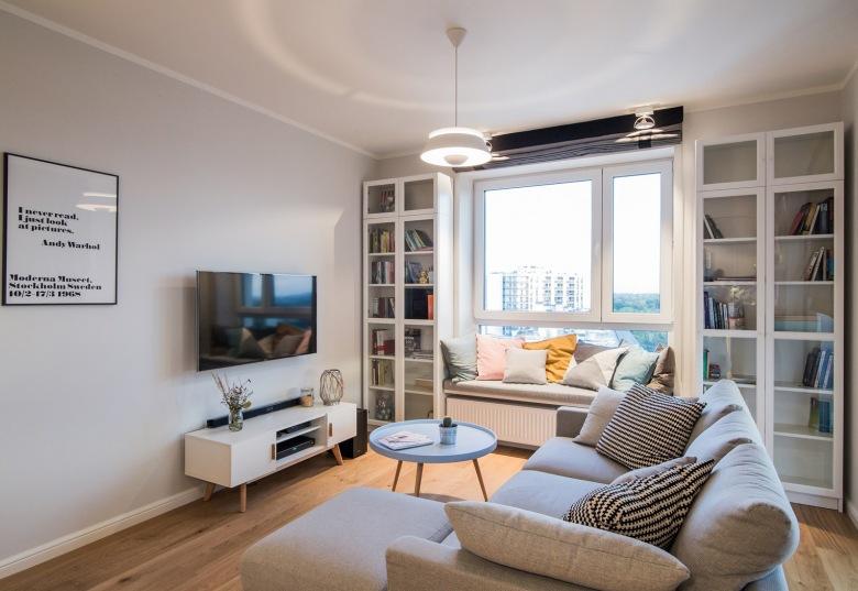 Oryginalna aranżacja przytulnego mieszkania dla młodej pary według polskiego projektu :)