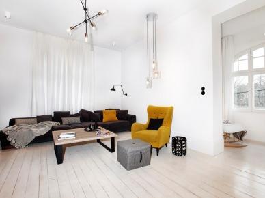 Aranżacja wysokiego salonu w bieli (49038)