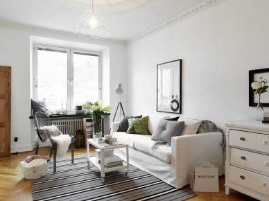 Pomysł na skandynawski salon w białych i pastelowych kolorach (20645)