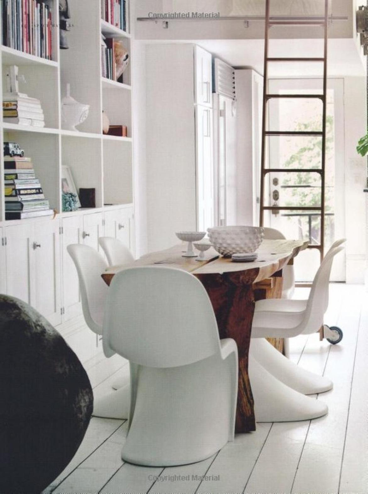 Stół w jadalni (2474)