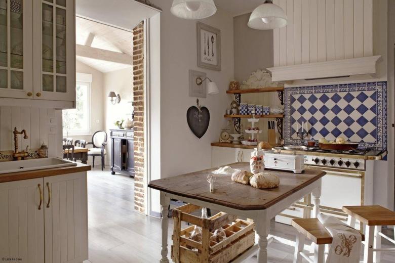 białe kuchnie z niebieską stylową glazurą  tag zdjęcia  lovingit pl  lovin   -> Kuchnia Rustykalna Zdjecia
