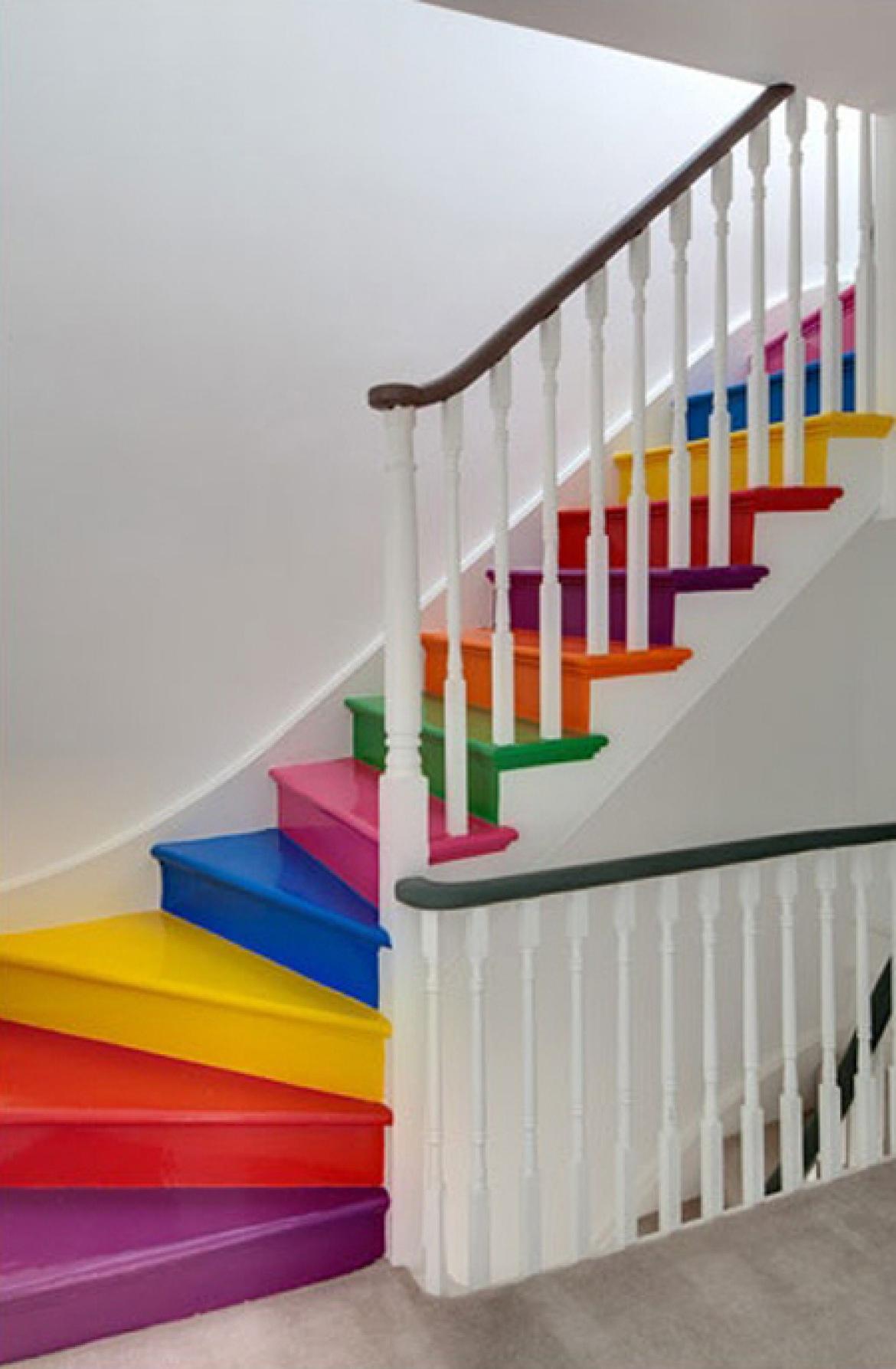 Дизайн лестницы в детском саду