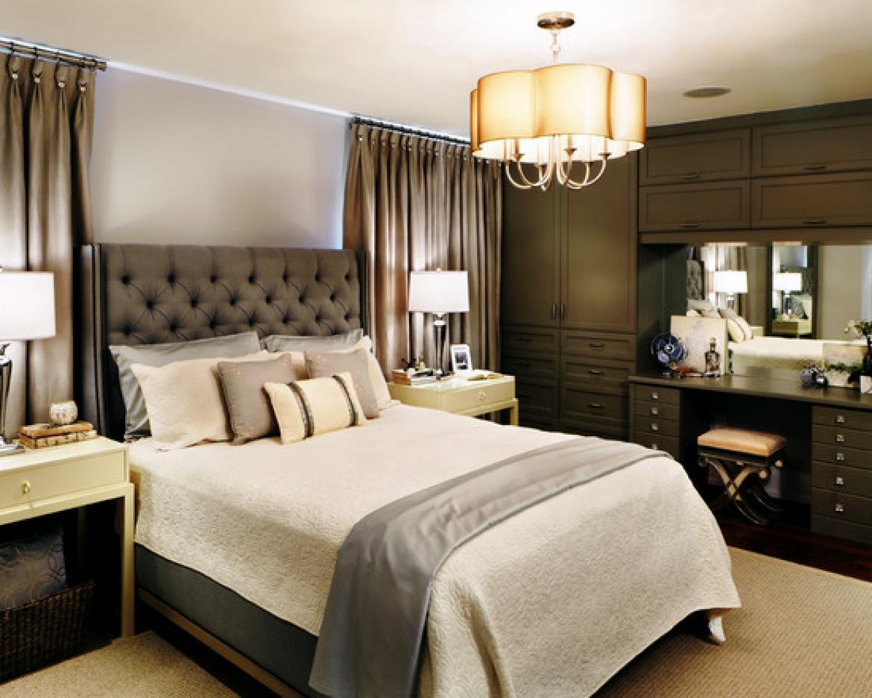 Дизайн спальни с люстрой