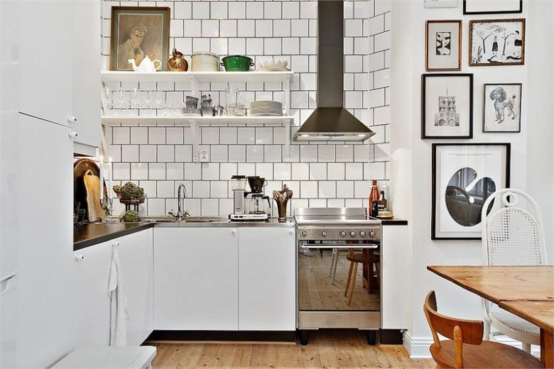 plakaty i obrazy retro w aranżacji białej kuchni w stylu   -> Kuchnie Prowansalskie Obrazy