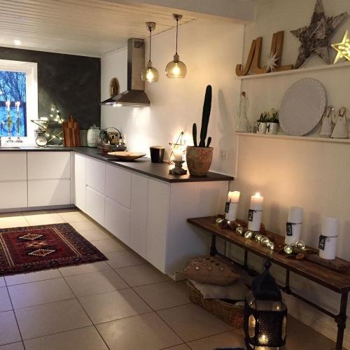 Wnętrza tygodnia z instagramu, czyli aranżacja otwartej kuchni oraz salonu ze stolikiem z palety