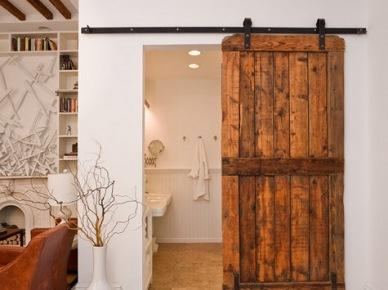 Białe Drzwi Przesuwne Przeszklone W Stylu Vintage Zdjęcie