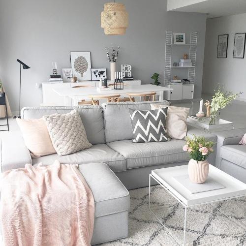 Piękna aranżacja mieszkania w szarości i pastelowym różu, czyli wnętrza tygodnia z instagramu!