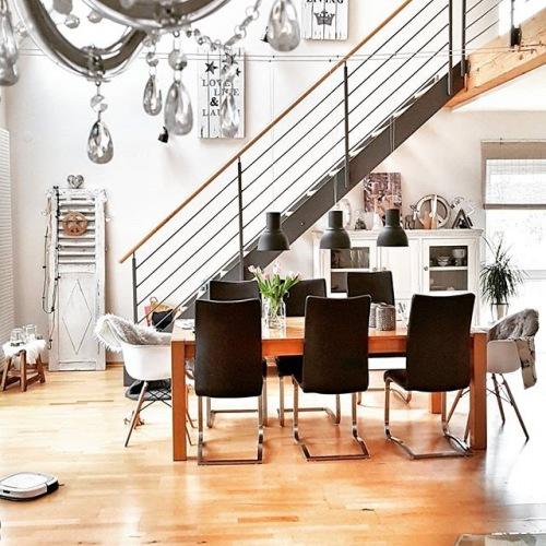 Wnętrza tygodnia z instagramu, czyli niesamowita aranżacja jadalni z salonem w domu z antresolą