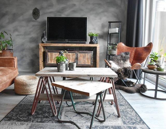 Wnętrza tygodnia z instagramu, czyli niezwykła aranżacja mieszkania w ciemnej szarości z brązem w industrialnym klimacie